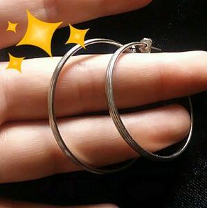 Jewelry - ♦️Want this free?♦️Silver tone hoop earrings